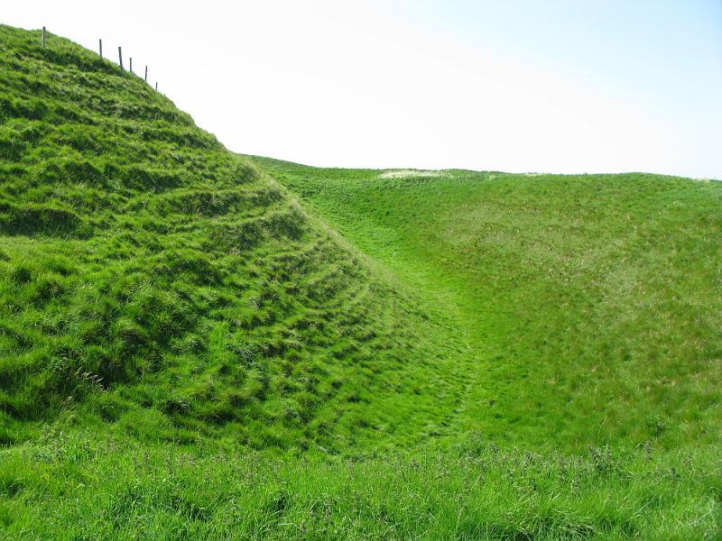 Maiden_Castle_Dorset_England_05